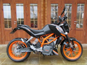 KTM Duke 390 ABS – Only 2050 Miles, FSH, H/Grips, H/Guards